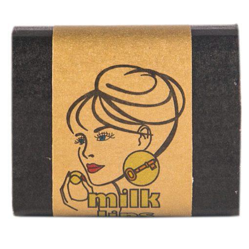 Milklips unt de buze cu lapte